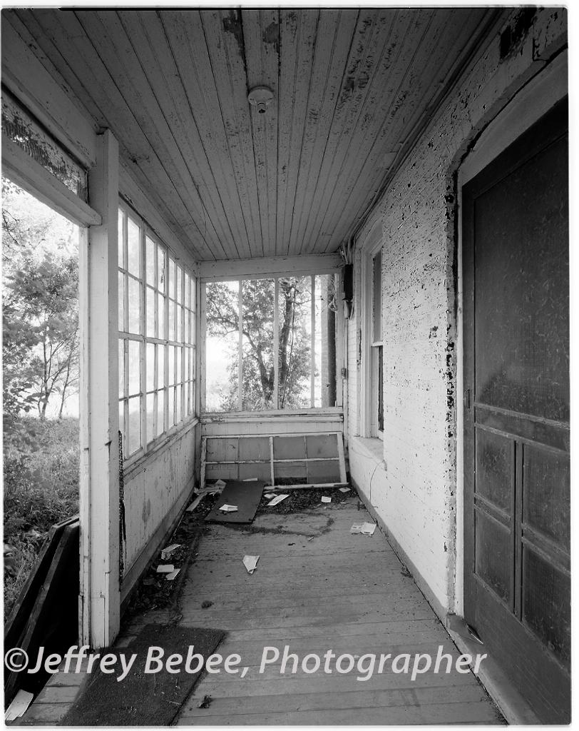Abandoned farm stead,  Highway 275, Nickerson Nebraska